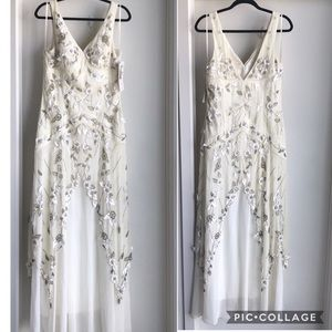 Sue Wong Nocturne white flower layered Ivory gown